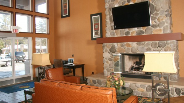 Comfort Inn—two story lobby with stone fireplace